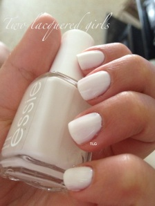 Essie - Marshmallow (full swatch review)
