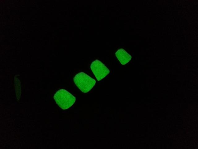 Serum_no5_dayglow_3ct_dark_glow_10sec_chg